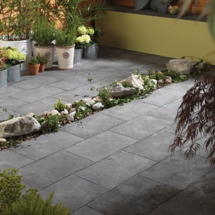 Bradstone Aged Riven Paving Dark Grey